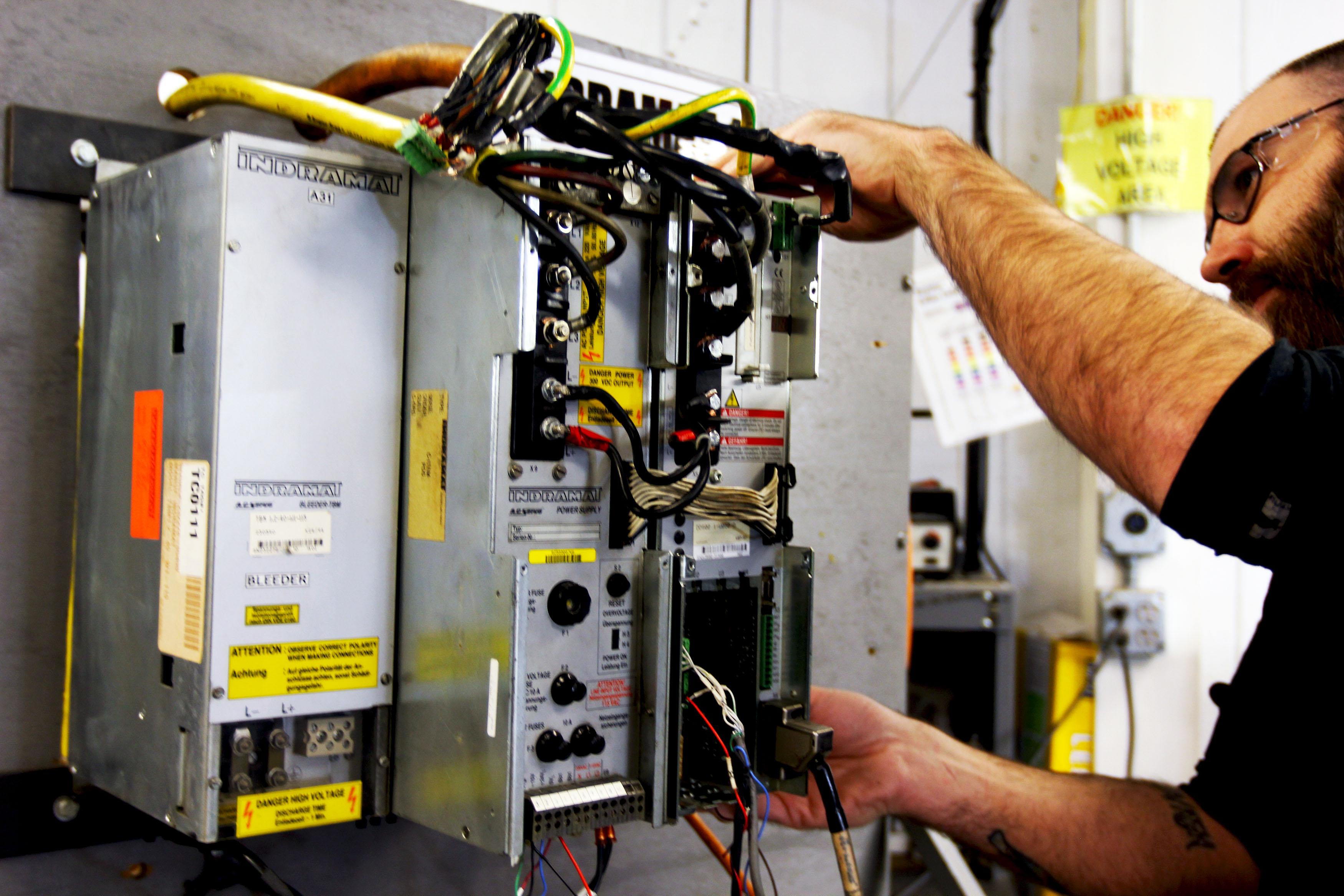 Testing an Indramat Drive Repair - DDS